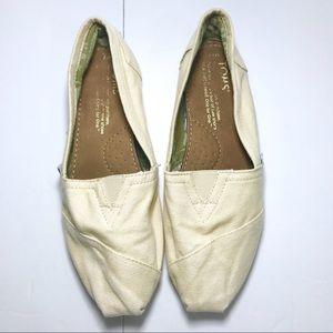 🌷Toms | Beige Tan Slip On Flats Size 7